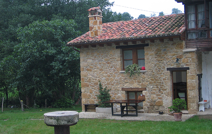 C. Aldea La Cabaña de Fraynoquiso