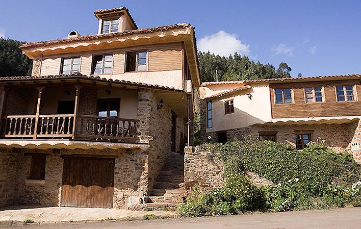 C. Aldea Las Casas de Isu 1